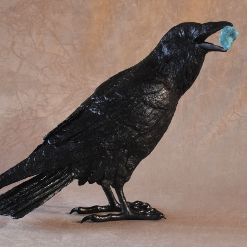 A crow sculpture at Manitou Galleries