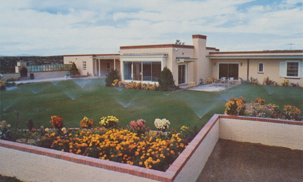 The grounds of the Governor's Mansion in 1955 in Santa Fe, New Mexico